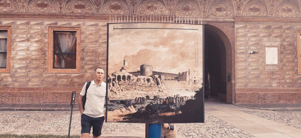 Carteles explicativos con la historia del Castello Sforzesco