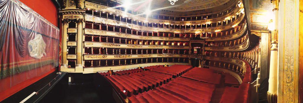 Vista panorámica del interior del teatro de La Scala