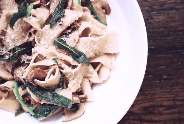 Comer pasta en Milán