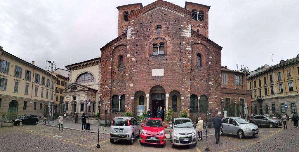 Fachada Iglesia del Santo Sepolcro, Milán