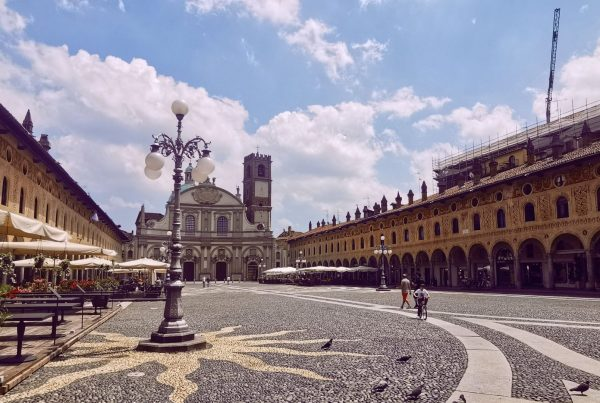 Plaza de Vigevano