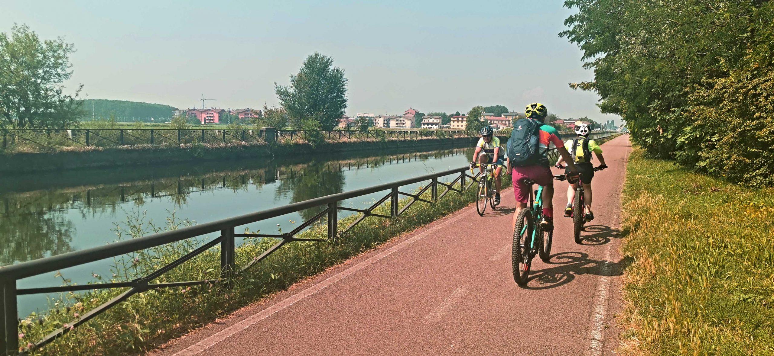 De Milán a Abbiategrasso en bici siguiendo el Naviglio Grande